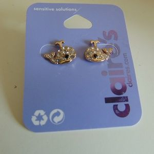 claire's earings nwt whale